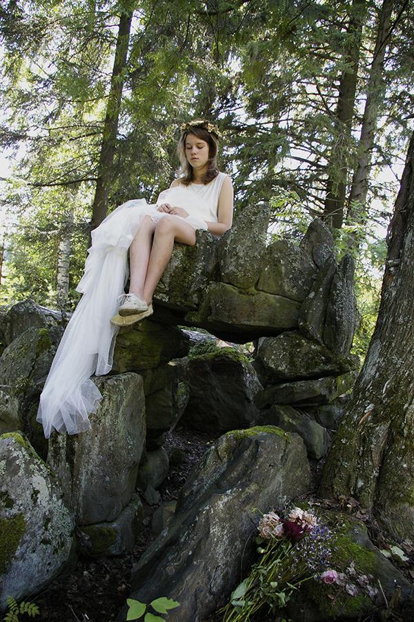 whiteladytestikoko